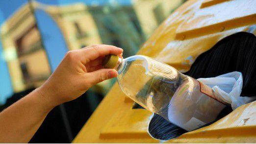 Smarter Müllcontainer mit Sensor in Barcelona: Sobald er voll ist, funkt er an die Zentrale.