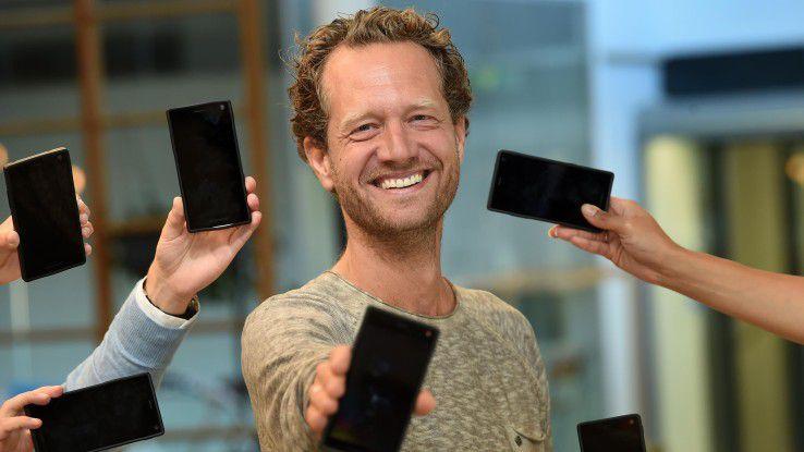 Bas van Abel tritt mit seinem Unternehmen Fairphone B.A. für mehr Nachhaltigkeit und Umweltverträglichkeit in der IT ein.