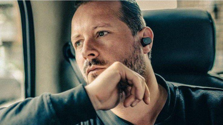 Der drahtlose Ohrhörer Sony Xperia Ear reagiert auf Sprache und Kopfbewegungen.