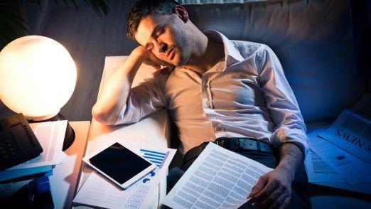 Arbeitssucht kennt keine Grenze mehr zwischen Job und Entspannung. Der Mensch ist getrieben von Erfolgszwang - bis zur Erschöpfung.