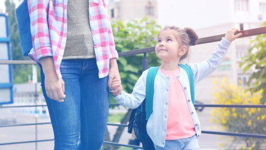 Die Elternzeit erleichtert es berufstätigen Eltern, sich um die Betreuung ihres Nachwuchses zu kümmern.