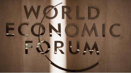 Nach Ansicht des World Economic Forums bieten AI und Robotik nicht nur Vorteile, sondern bergen auch Risiken.