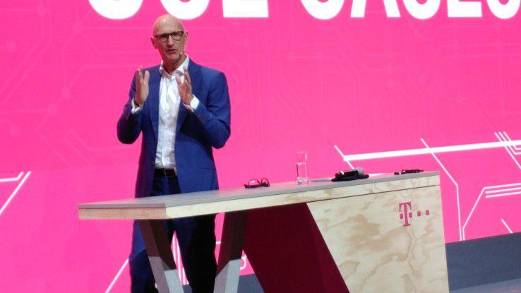 Telekom-Chef Tim Höttges appellierte in Barcelona an die europäische Politik mehr Frequenzen für 5G freizugeben.