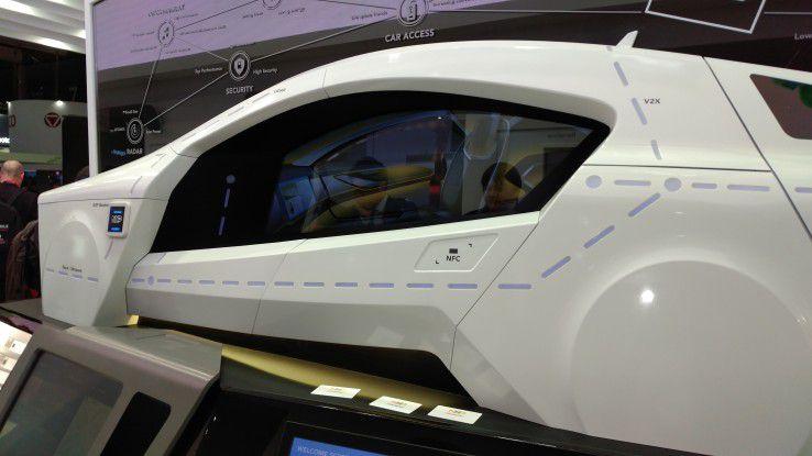 An einem Fahrzeugmodell demonstrierte NXP, wie Connected Cars als IoT-Devices per Design sicher gebaut werden können.