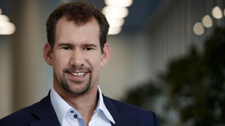 """""""Es genügt nicht, für das autonome Fahren einfach eine Box aufs Dach zu schrauben"""", sagt Jens Monsees, der die Digitalisierungsstrategie der BMW Group verantwortet."""