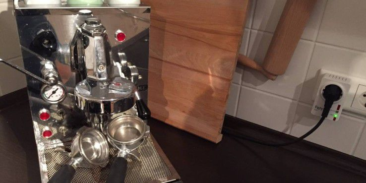 Mit der Geräuschsteuerung haben wir mehrmals versehentlich die Espressomaschine eingeschaltet.