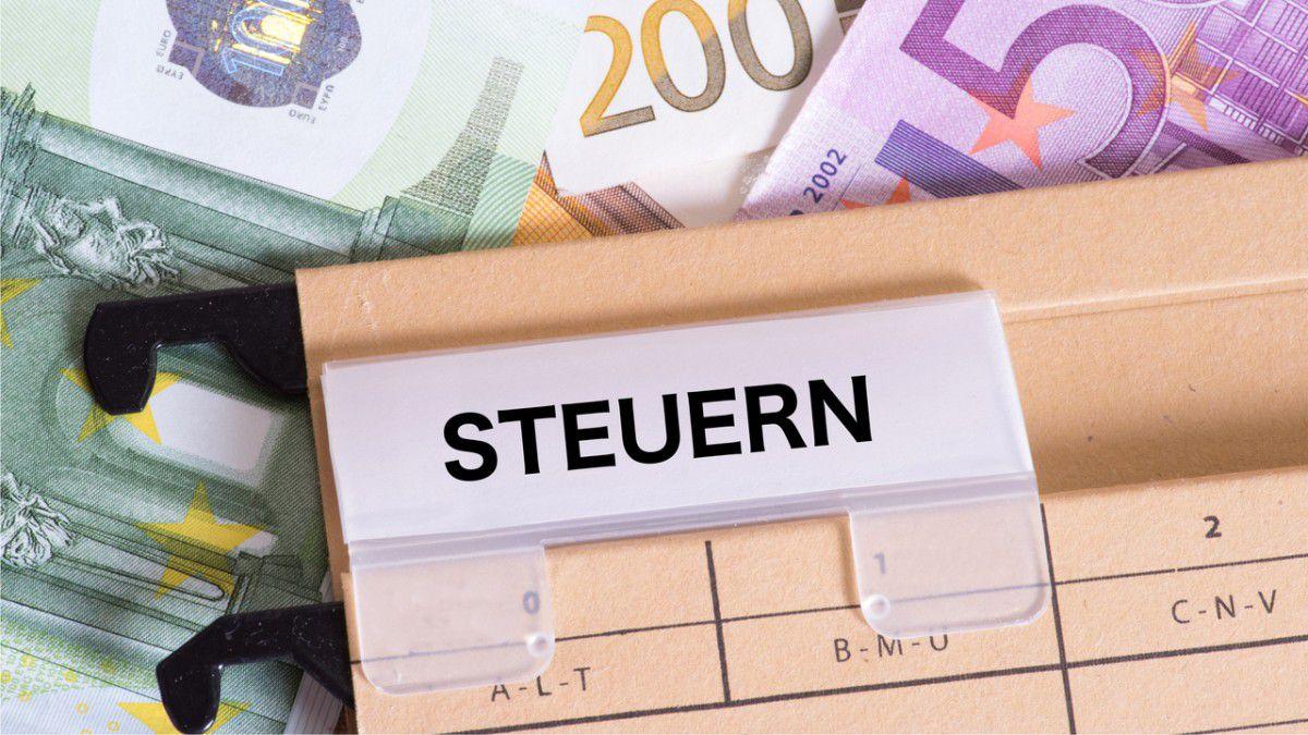 Steuern & Finanzen - cover