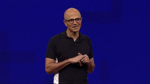 Microsoft CEO Satya Nadella baut den Konzern um.