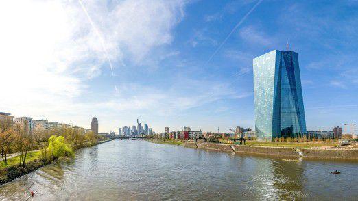 Banken in Frankfurt bieten Softwareentwicklern im Branchen- und Regionenvergleich die lukrativsten Verdienstaussichten.