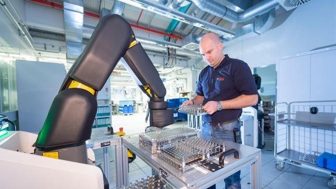 Mehr als 100 IoT-Lösungen und -Projekte wurden in den letzten 18 Monaten auf Basis der Bosch IoT Cloud umgesetzt.