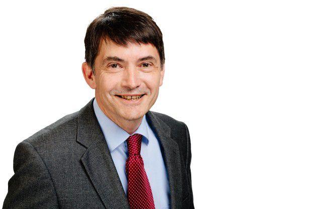 Frank Morelli ist neben seiner Tätigkeit für die Hochschule Pforzheim auch Aufsichtsrat bei der Intellior AG.