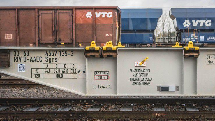 60.000 Waggons sollen europaweit vernetzt werden, damit der Schienenverkehr optimiert wird.