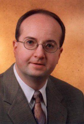 Roland Hellmann lehrt an der Hochschule Aalen unter anderem IT-Sicherheit.