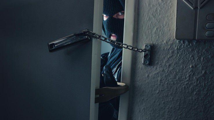 Damit Einbrecher gar nicht erst den Fuß in die Tür bekommen, sollten Sie Präventivmaßnahmen treffen. Das geht jetzt auch digital.