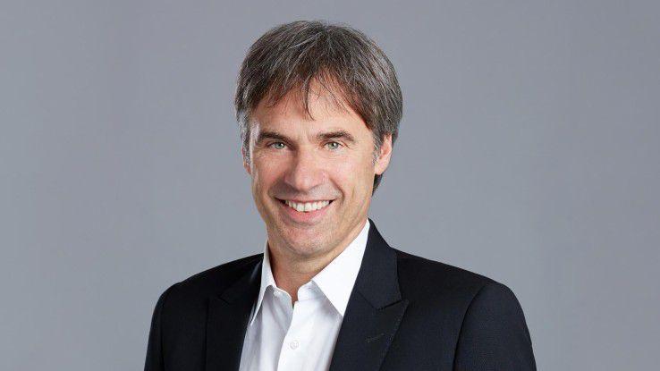 """Achim Berg, Bitkom Präsident: """" Branchenübergreifend können 55.000 Stellen nicht besetzt werden, weil IT-Spezialisten fehlen."""""""