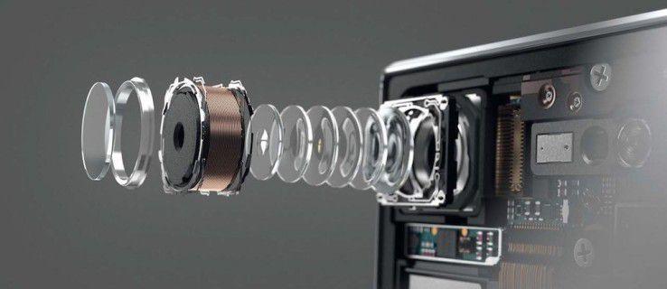 Smartphone-Kameras im Technik-Vergleich_8Die Kamera im Sony Xperia XZ Premium basiert auf einem Sensor mit aufgesetzten Speicherbausteinen. Dadurch soll die Bildberechnung viel schneller gehen, da die Verarbeitungswege kürzer sind.