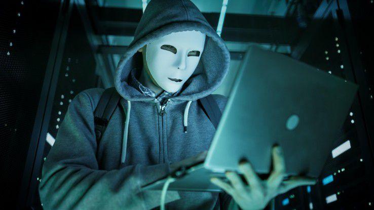 Die Deutschen haben nicht nur Angst vor Hackern, die es auf Politiker abgesehen haben. Auch Social-Media-Nachrichten werden im Fake-News-Zeitalter kritisch gesehen.