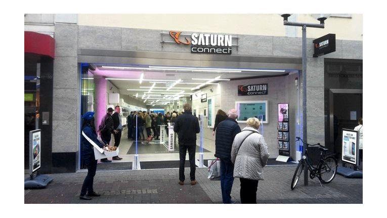 In Trier eröffnete unbemerkt von der Medienöffentlichkeit bereits Mitte Oktober der erste deutsche Saturn Connect