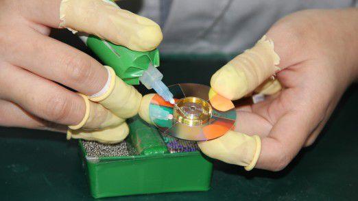 Neben dem DLP-Chip ist das Farbrad von maßgeblicher Bedeutung für die Bildqualität von DLP-Projektoren. In der Delta-Projektorenfabrik in Wuijang legt man daher besondere Sorgfalt auf die Farbradfertigung.