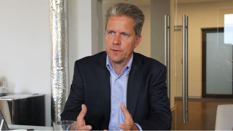 Nach zweieinhalb Jahren bei HP kehrt der Director Commercial Channel Midmarket Sales, Christian Mehrtens, wieder in die Software-Branche zurück.