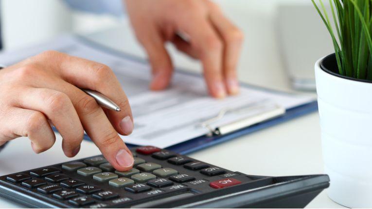 Das Gesetz zur Modernisierung des Besteuerungsverfahrens soll am 1. Januar in Kraft treten. Mit dem Gesetz werden die Steuerzahler in vielen Punkten entlastet, sie sollten aber auch neue Vorgaben beachten.