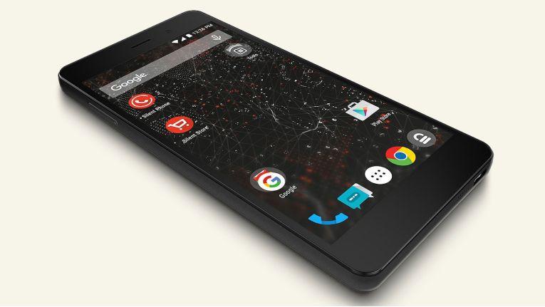 Das Blackphone, ein Smartphone mit Silent OS und integrierter Verschlüsselung des Herstellers Silent Circle, soll für mehr Sicherheit in der Kommunikation sorgen. Der ebenfalls auf Googles Android basierende Nachfolger Blackphone 2 (Bild) steht bereits in den Startlöchern.