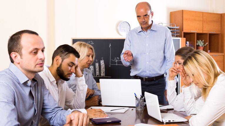 Es ist eine Binsenweisheit, aber genau deshalb ist sie wahr: In jedem Unternehmen sind Verbesserungen möglich und sinnvoll. Zum Beispiel muss nicht unbedingt der Druck an die Mitarbeiter weitergeleitet werden.