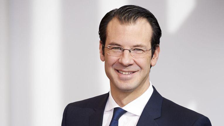 Der bisherige Fujitsu-Zentraleuropa-Chef, Rolf Werner, hat sich entschieden, das Unternehmen zu verlassen und neue Herausforderungen außerhalb von Fujitsu anzunehmen. Sein sofortiger Nachfolger wird Rupert Lehner.