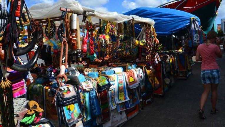 Die Chance, auf einem Marktplatz mit riesigem Sortiment das Gesuchte zu finden, ist deutlich größer als bei einem Einzelhändler - das gilt auch online.