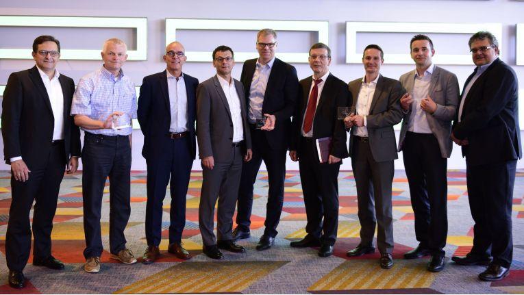 Das sind Deutschlands erfolgreichste HPE-Partner, v.l.n.r.: Gerry Steinberger (HPE), Björn Meyer (Tenzing), Thomas Zimmer (ACP), Ulrich Seibold (HPE) und Dirk Waltje (ACP), Gerald Gruhl und Christian Daniel (beide PDV Systeme), Alex Burman (Computacenter) sowie Peter Steensma (HPE).