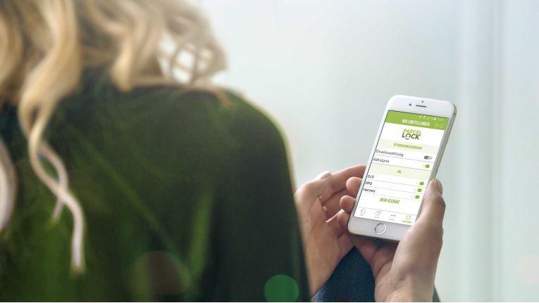 Mit der Parcellock-App können Kunden den Empfang und Versand von Paketen in der Box steuern.