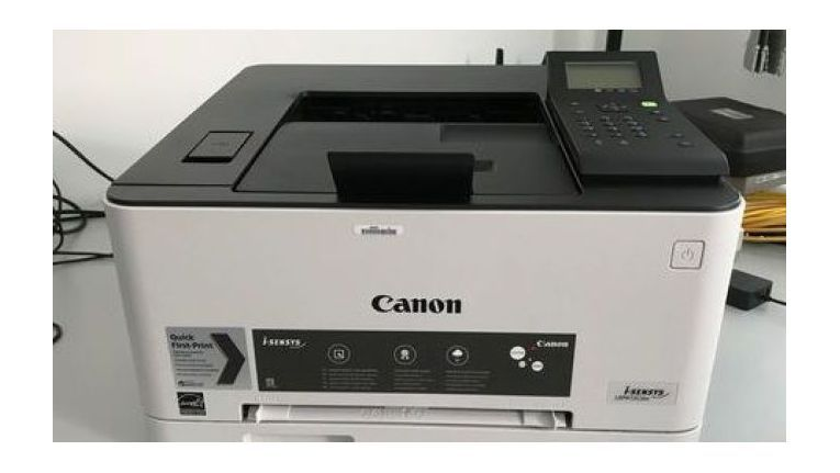 Kommt gut auf dem Schreibtisch unter: Canon i-Sensys LBP613Cdw