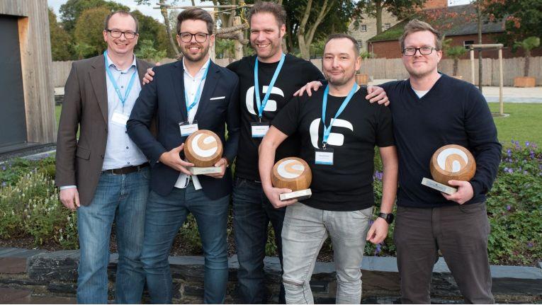 Ausgezeichnet mit den Shopware Awards: (v.l.) Magnus Kuhlmann und Christopher Klöpping (Men At Work), Alexander Haupt und Manuel Strotmann (Best IT) und Martin Weinmayr (dasistweb)