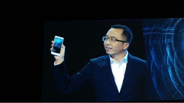 Honor-Chef George Zhao stellte das Honor 6X vor
