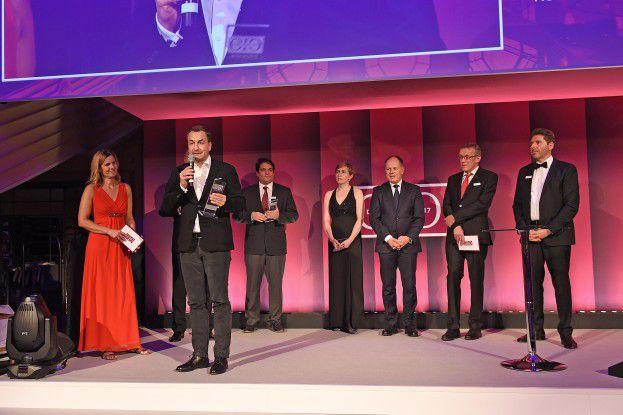 Elmar Pritsch von Robert Bosch (vorne) ist CIO des Jahres 2017 in der Kategorie Großunternehmen.