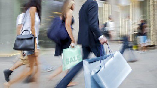 Während der Online-Handel und viele große Einzelhändler gute Geschäfte machen, tun sich kleinere Läden zunehmend schwer.