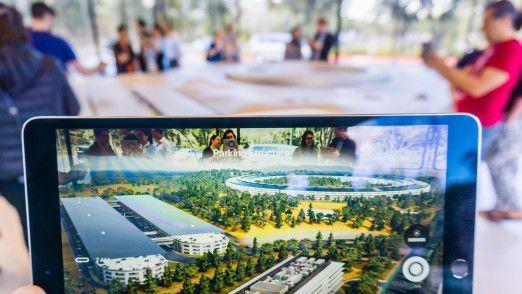 Was für die Besucher des Apple Parks im Silicon Valley vorrangig sichtbar ist, die virtuelle Darstellung des geplanten Apple Offices. Natürlich steckt hinter dieser VR-Darstellung Software - was die Besucher aber nur zweitrangig interessieren dürfte.