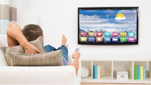 Insgesamt 63 Prozent der Fernsehzuschauer sehen sich demnach Inhalte aus dem Netz über das TV-Gerät an.