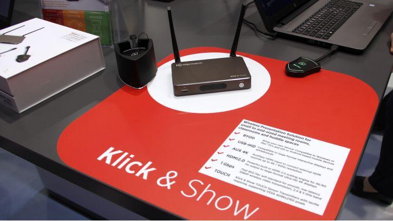 Das Umstrittene Objekt: Click & Show von Kindermann. Trotz Gerichtsvollzieher konnte Kindermann-Konkurrent Barco nicht verhindern, dass die Wireless-Presentation-Lösung weiterhin auf der ISE in Amsterdam gezeigt wurde.