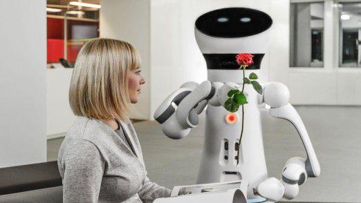 CIOs werden sich in den nächsten zehn Jahren verstärkt darauf konzentrieren, die Kombination von Mensch und Maschine erfolgreich im Unternehmen zu etablieren.