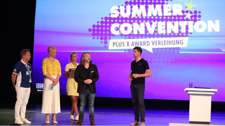 Die Plus X Awards wurden an der Summer Convention von Euronics auf Mallorca überreicht