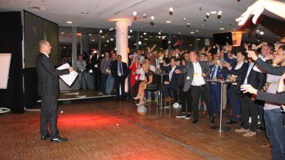 Party in der HDI-Arena: Das Api-Cebit-Festival