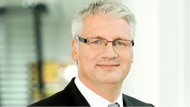 Christian Nern wird ab 01. Oktober 2018 IBM verlassen und seine Erfahrung als Partner für Cyber-Security bei KMPG nutzen.