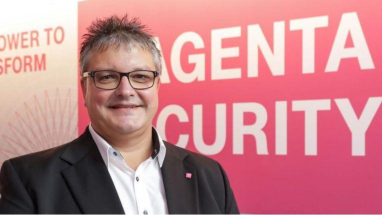 """Dirk Backofen, Leiter Telekom Security, Deutsche Telekom, will mit dem """"fortschrittlichen mehrstufigen Security-Konzept"""" der SEP Cloud """"Kunden ganzheitlich mit ihren Arbeitsplätzen, Tablets und Smartphones schützen."""""""