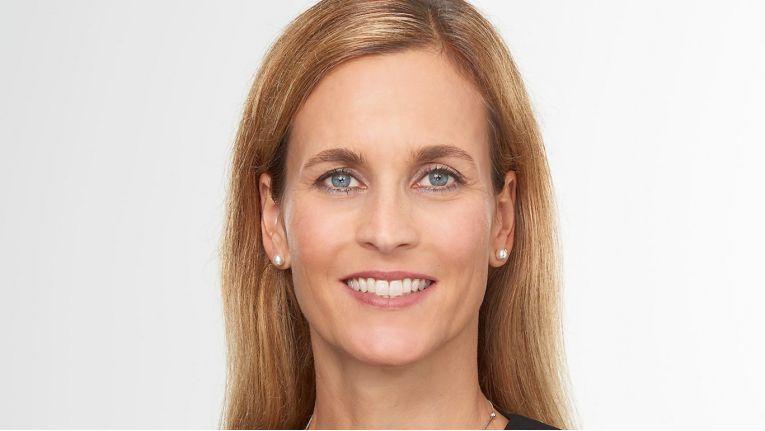 Claudia Huber-Völkl, Senior Manager Imaging & Multimedia, betont den Stellenwert der Portfolioerweiterung und der Zusammenarbeit mit DJI.