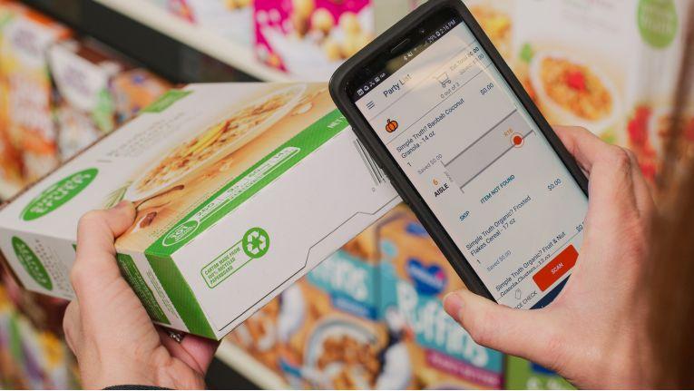 Nach Amazon zeigt nun auch Microsoft ein smartes System für die Lebensmittelbranche. Allerdings will es das nicht selbst nutzen, sondern als Retail-as-a-Service-Lösung anderen anbieten.