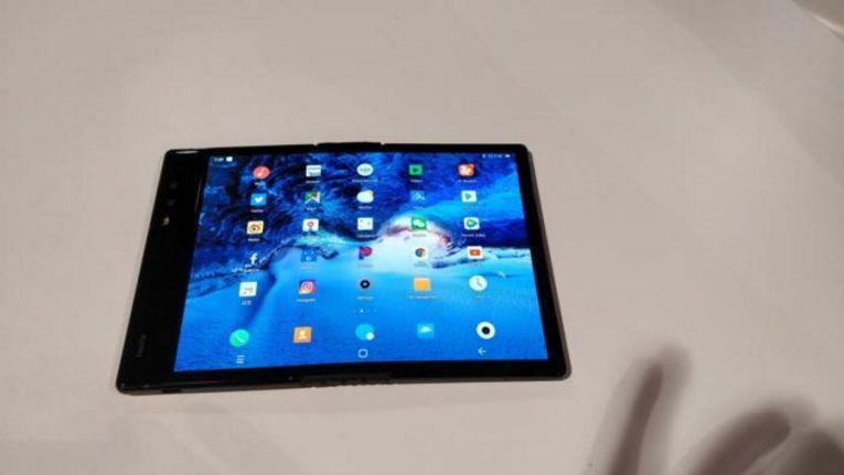 Aufgeklappt sieht das FlexPai einem Tablet ähnlich.