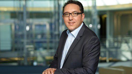 Cawa Younosi ist Jurist und seit acht Jahren bei SAP. Er verantwortet als Personalleiter von SAP Deutschland auch das Thema Diversity und setzt sich für eine familienfreundliche Personalpolitik ein.