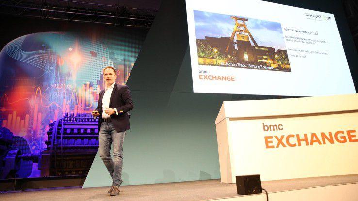 Dirk Müller, CIO der Haniel-Gruppe und Chef der Digitaleinheit Schacht One, erklärte, wie Unternehmen in einem sich exponentiell beschleunigenden Umfeld überleben können.