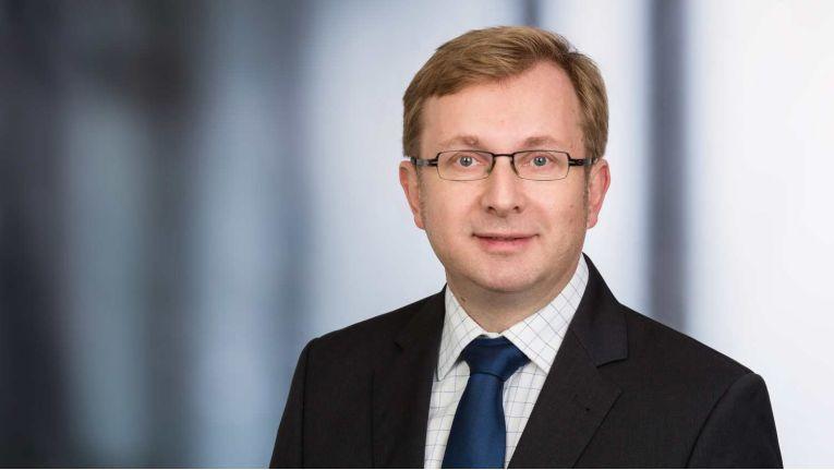 IDC-Analyst Matthias Zacher beschreibt Endpoints als die zentrale Schnittstelle zwischen den Anwendern und der Informationstechnologie innerhalb der Organisation und sieht für sie deshalb erhöhten Schutzbedarf.